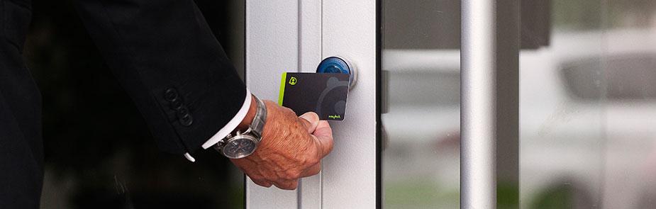 controle accès électronique porte